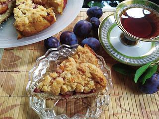Ciasto półkruche z owocami i kruszonką