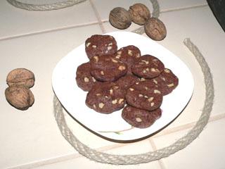 Czekoladowe ciasteczka z orzechami