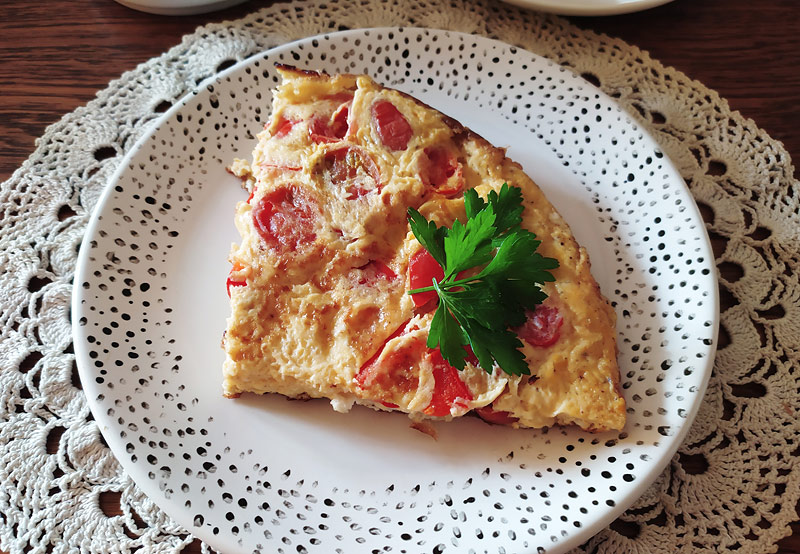 Frittata z pomidorami i mozzarellą