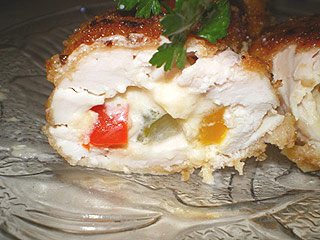 Roladki drobiowe z serem, papryką i korniszonem
