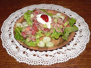 Sałatka z pomidorami i tuńczykiem