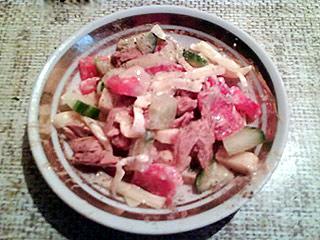 Sałatka z tuńczykiem i papryką
