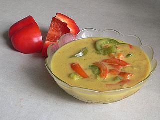 Sos curry z papryką