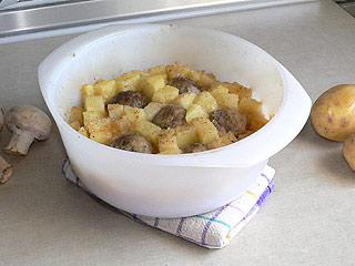Zapiekanka z mielonego mięsa i pieczarek