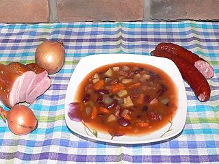 Zupa z fasoli konserwowej